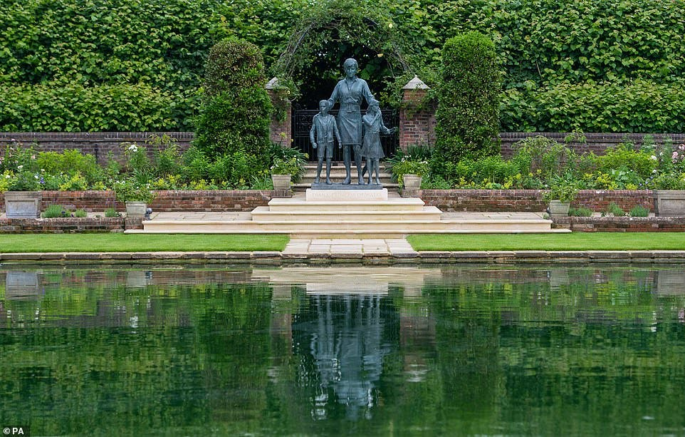 Estatua de la difunta Diana