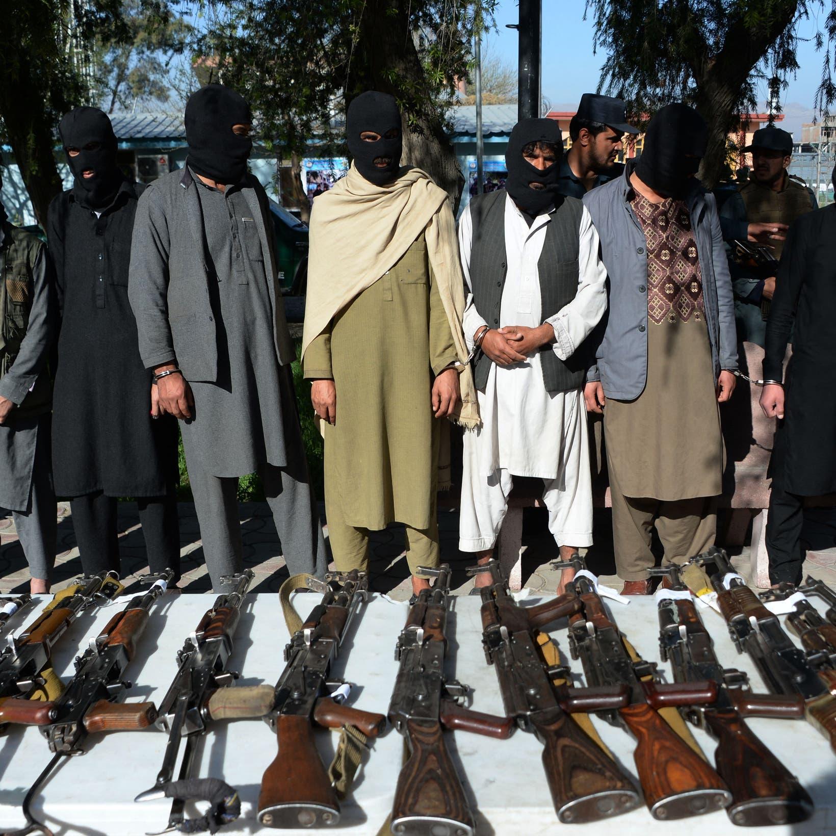 طالبان تواصل تقدمها.. وتسيطر على ولاية غرب أفغانستان