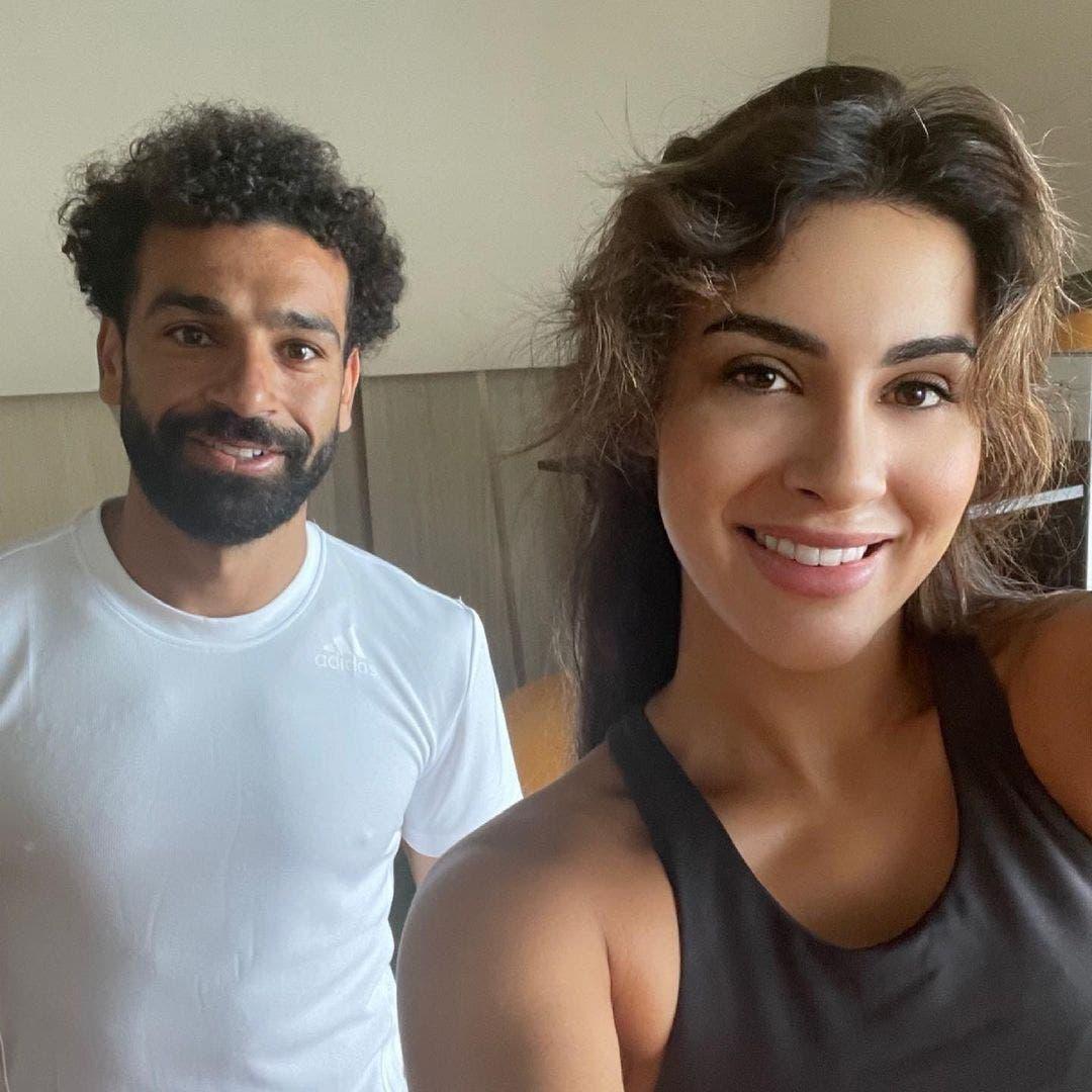 """بالصور.. محمد صلاح مع ملكة جمال الهند في """"الجيم"""""""