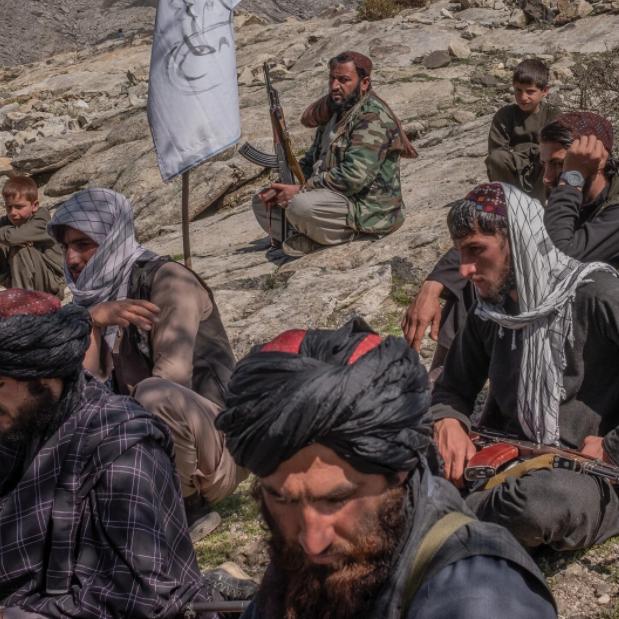 عقب استسلامهم.. طالبان تعدم 22 من الكوماندوز الأفغاني