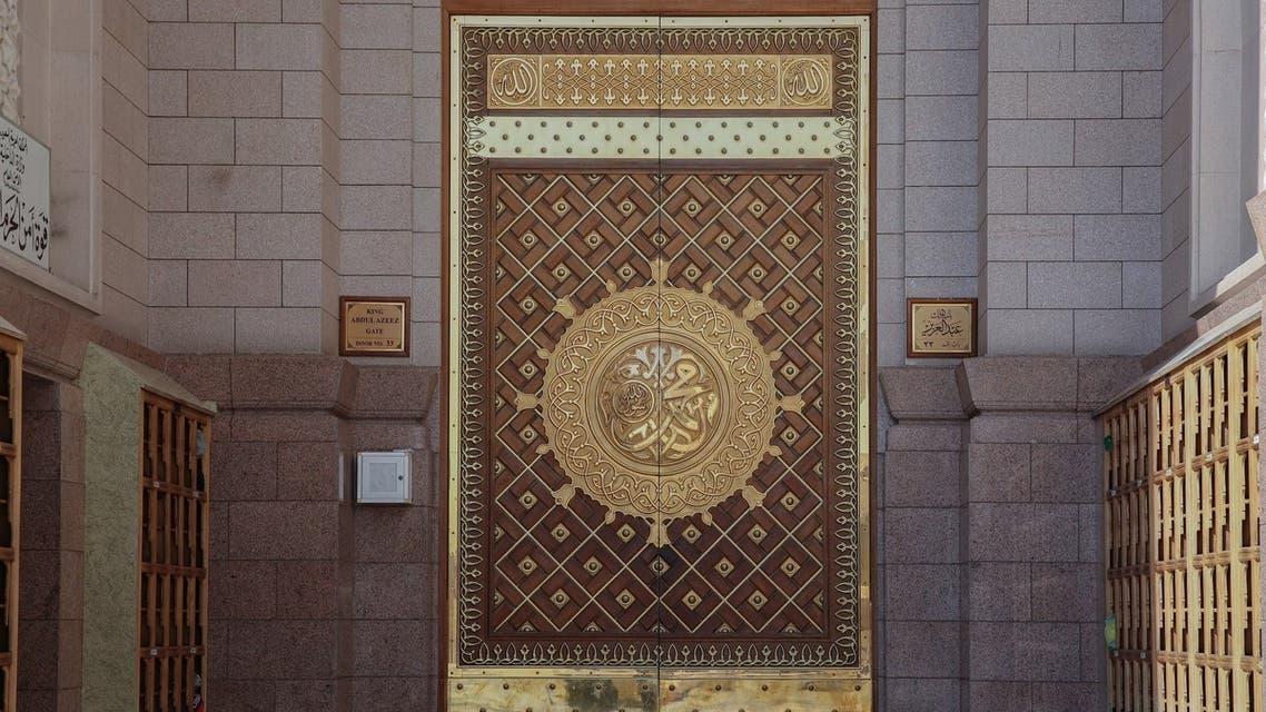 أحد أبواب المسجد النبوي