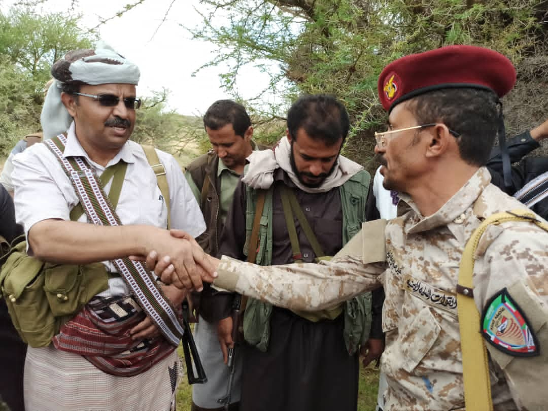 محافظ البيضاء يتفقد جبهات القتال في الصومعة
