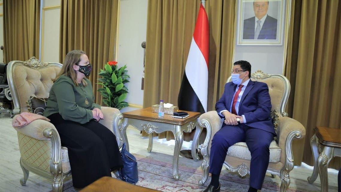 وزير الخارجية اليمني أحمد بن مبارك اليوم الأحد استمرار رفض جماعة الحوثي لمبادرة السلام لوقف إطلاق النار في البلاد، وذلك في اجتماع مع كاثرين ويستلي القائمة بأعمال السفير الأميركي لدى اليمن