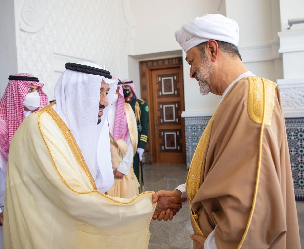 Saudi Arabia's King Salman bin Abdulaziz receives Oman's Sultan Haitham bin Tariq at the Neom Palace for the first official visit between the two leaders since the COVID-19 outbreak began. (SPA)