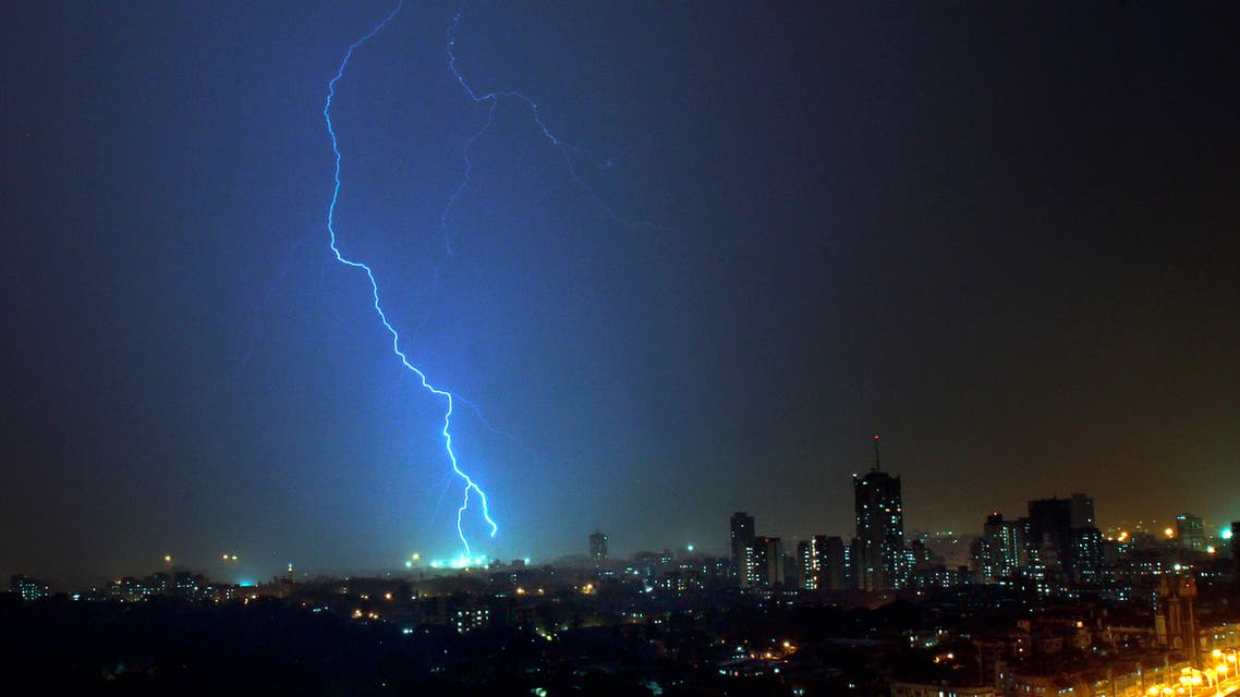 Lightning is seen over south Mumbai before the first pre-monsoon showers May 31, 2007. (File photo: Reuters)