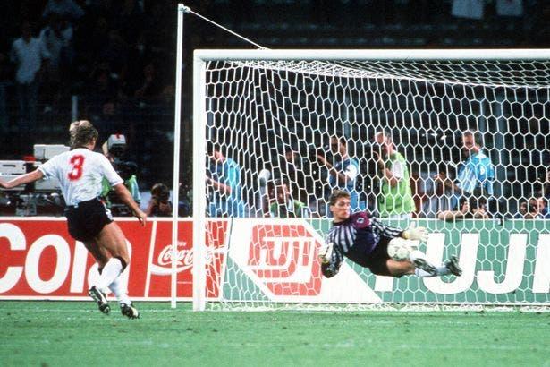بيرس في 1990