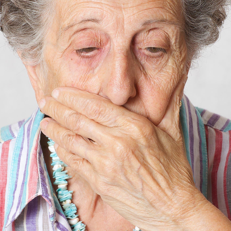 دراسة تحذر.. هؤلاء أكثر عرضة للإصابة بالخرف!