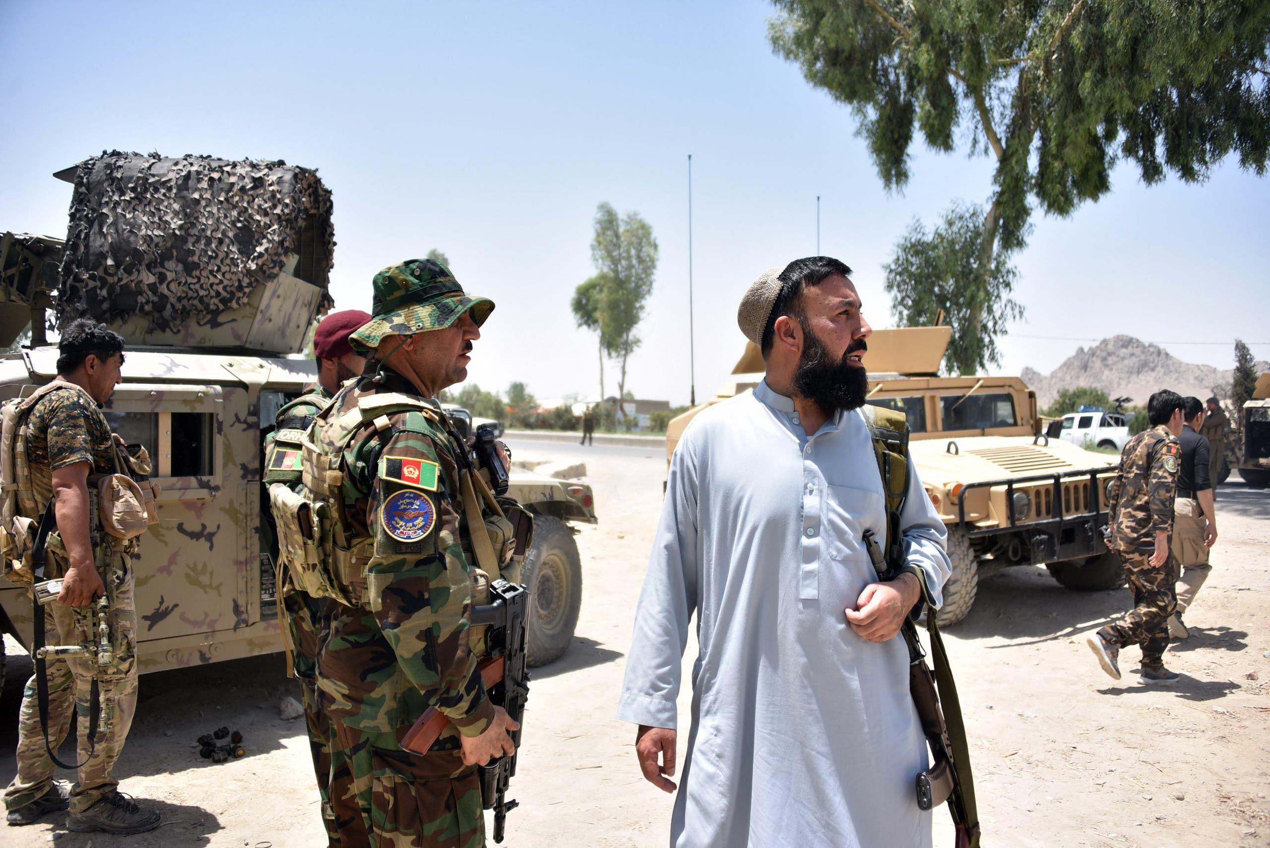 القوات الأفغانية تحمي الطرقات في قندهار خلال اشتباكات مع طالبان