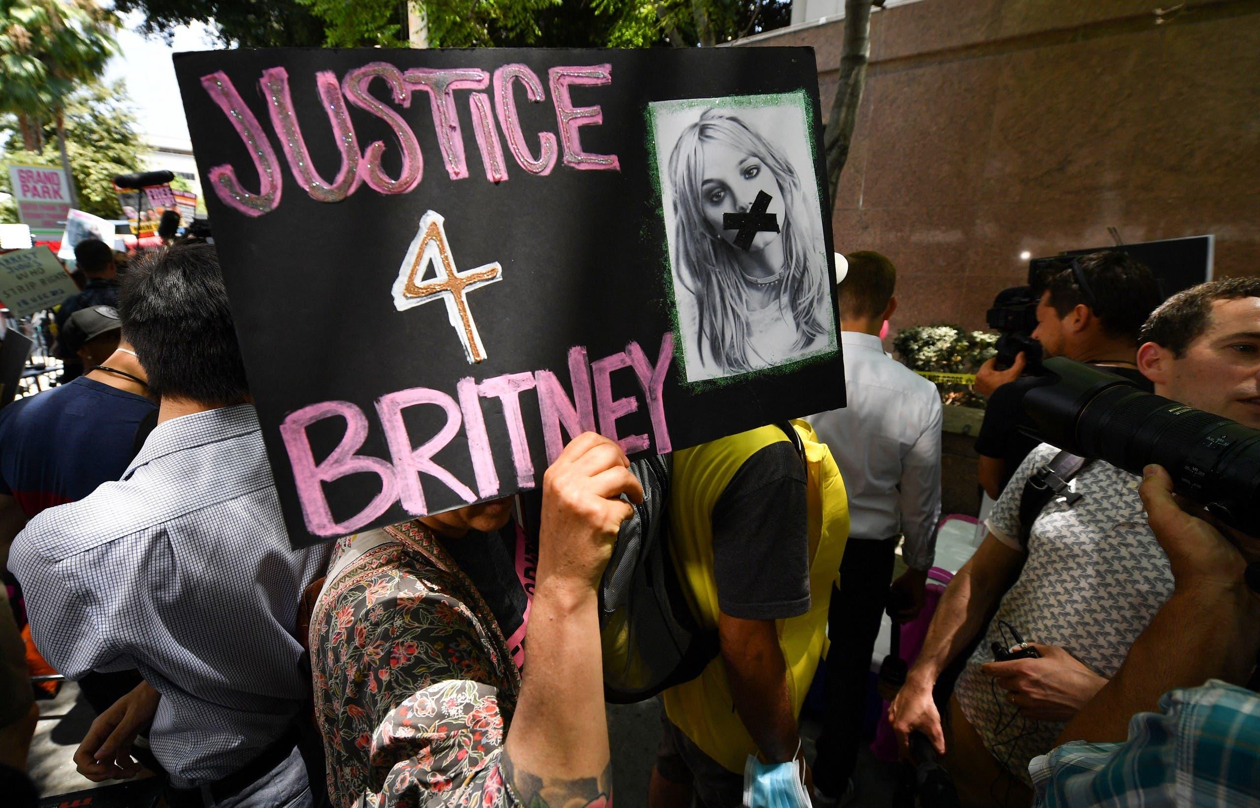 مناصرون لبريتني امام المحكمة في لوس أنجلوس