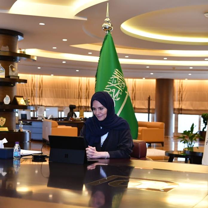 """الجامعة السعودية الإلكترونية و""""كورسيرا"""" يوقعان شراكة لتطوير برامج تعليمية"""