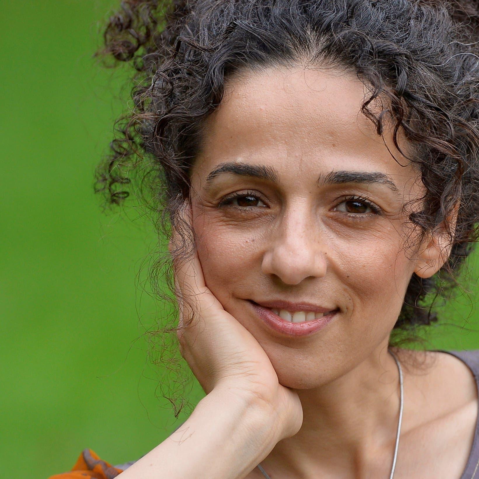ناشطة إيرانية نجت من الخطف لواشنطن: أوقفوا مفاوضة طهران