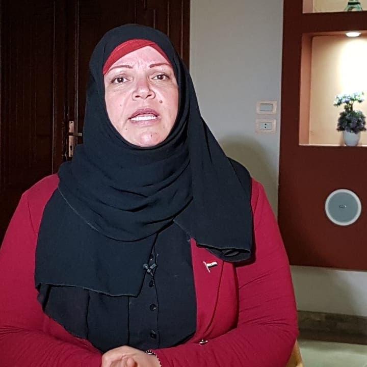 """""""سيدة القطار"""" تروي للعربية.نت تفاصيل الواقعة التي أغضبت المصريين"""
