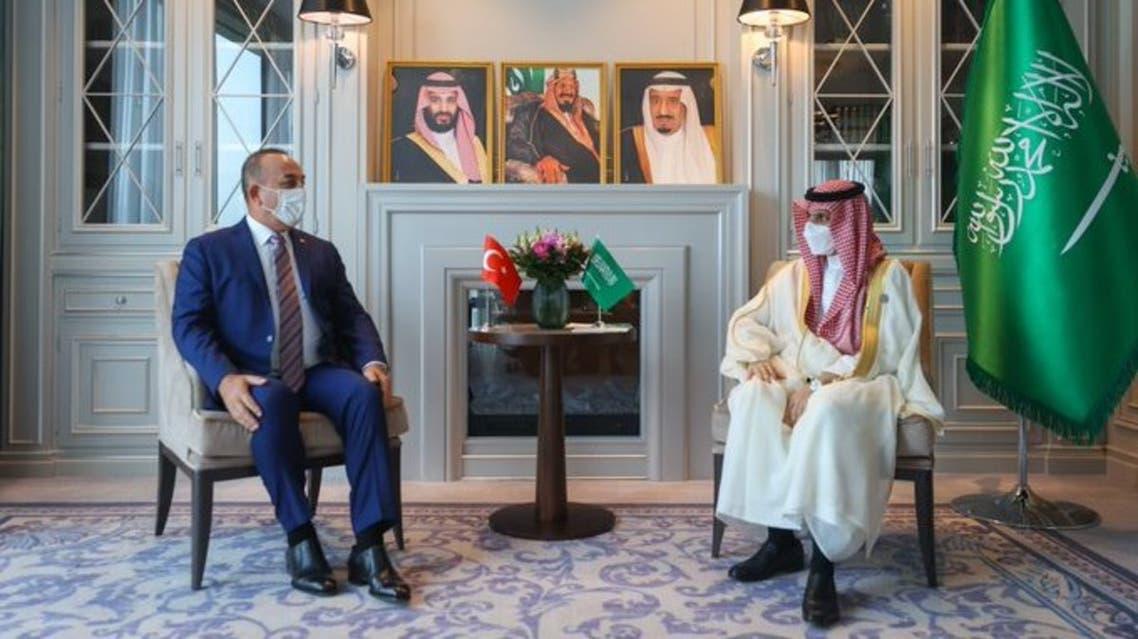 وزير الخارجية السعودي فيصل بن فرحان يبحث العلاقات الثنائية بين البلدين مع نظيره التركي مولود تشاووش اوغلو