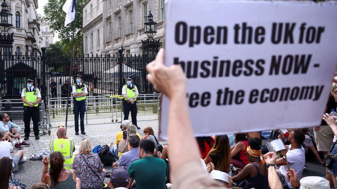 مظاهرات مناهضة لعمليات الإغلاق في بريطانيا
