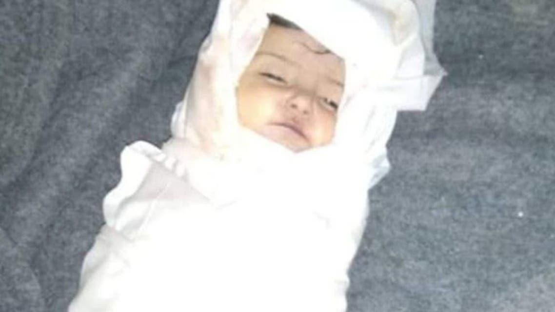 اليمن مأرب أمل سعد العقبي (9 أشهر) توفيت إثر سقوط خيمة مهترئة عليها في مخيم السويداء للنازحين