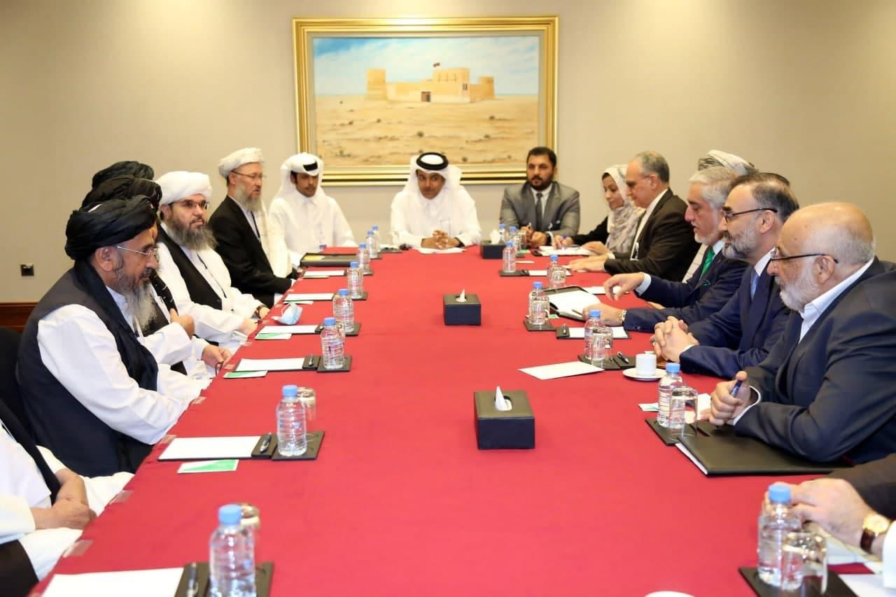 هیئت مذاکره کننده دولت افغانستان و نمایندگان طالبان در دوحه