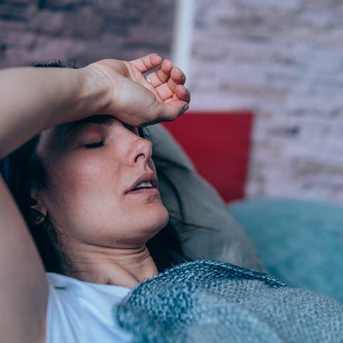 رغم التعافي.. هذه أعراض كورونا طويلة الأمد