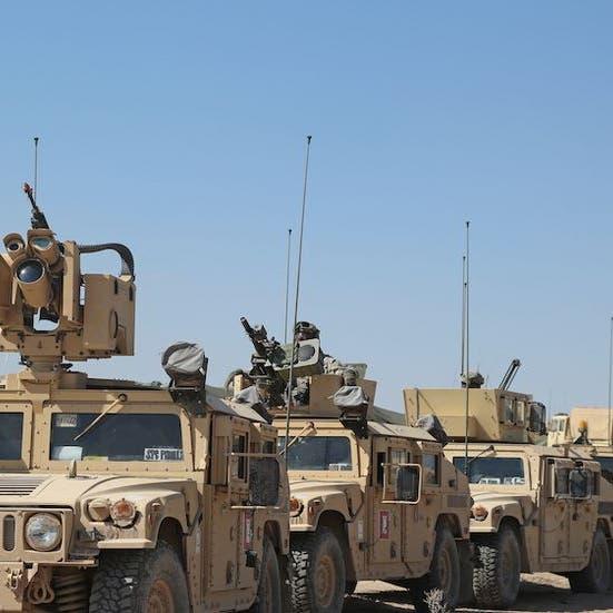 لهذه الأسباب لن يتحول الجيش الأميركي للمركبات الكهربائية قريبًا