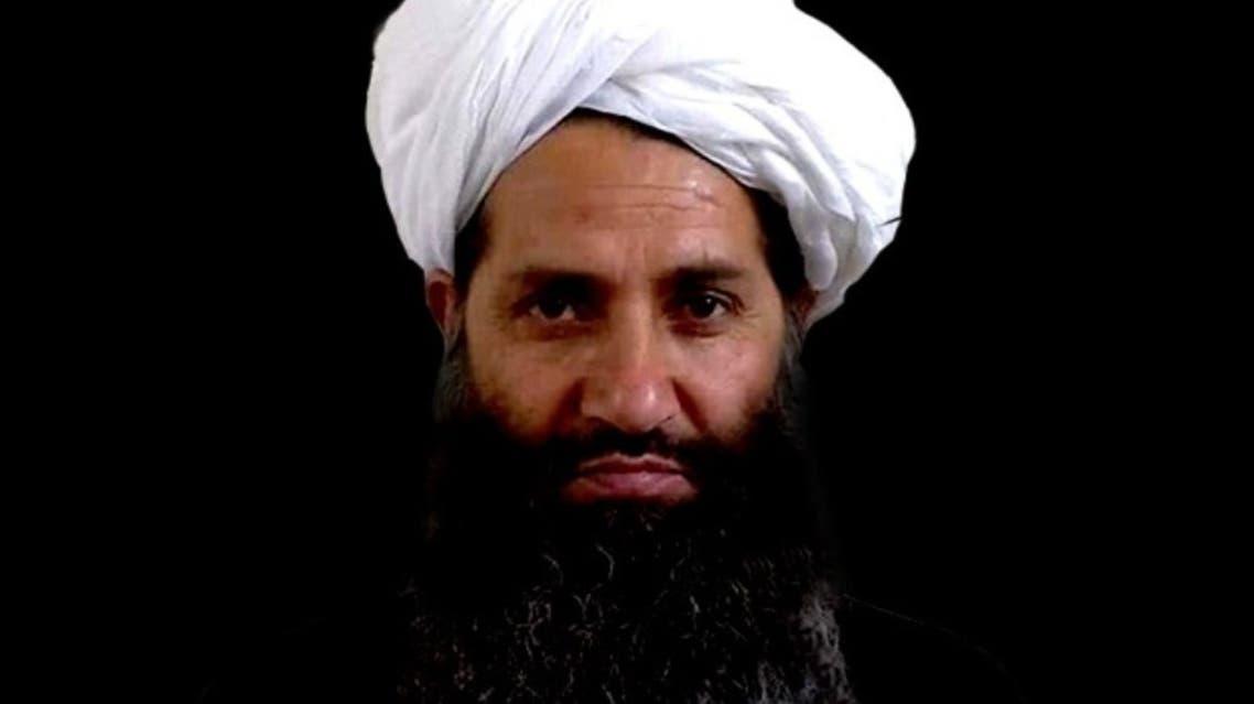 بر خلاف این اظهارات مثبت رهبر طالبان، دولت افغانستان و بسیاری از گروههای سیاسی این کشور، این گروه را به ایجاد موانع بر سر راه گفتوگوهای صلح متهم میکنند.