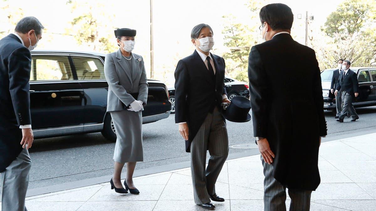 إمبراطور اليابان يلتقي مع رئيس اللجنة الأولمبية الدولية