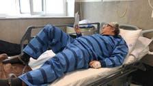 بکتاش آبتین شاعر زندانی با پای بسته در بیمارستان بستری شد