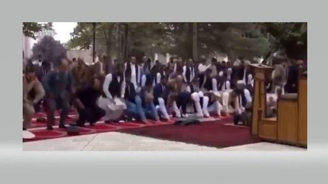 لحظة سقوط صواريخ أفغانستان أثناء صلاة العيد