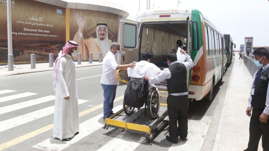 وسائل نقل خاصة لنقل الحجاج ذوي الإعاقة