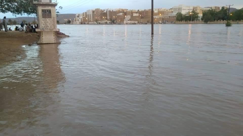 من السيول التي ضربت شرق اليمن اليوم