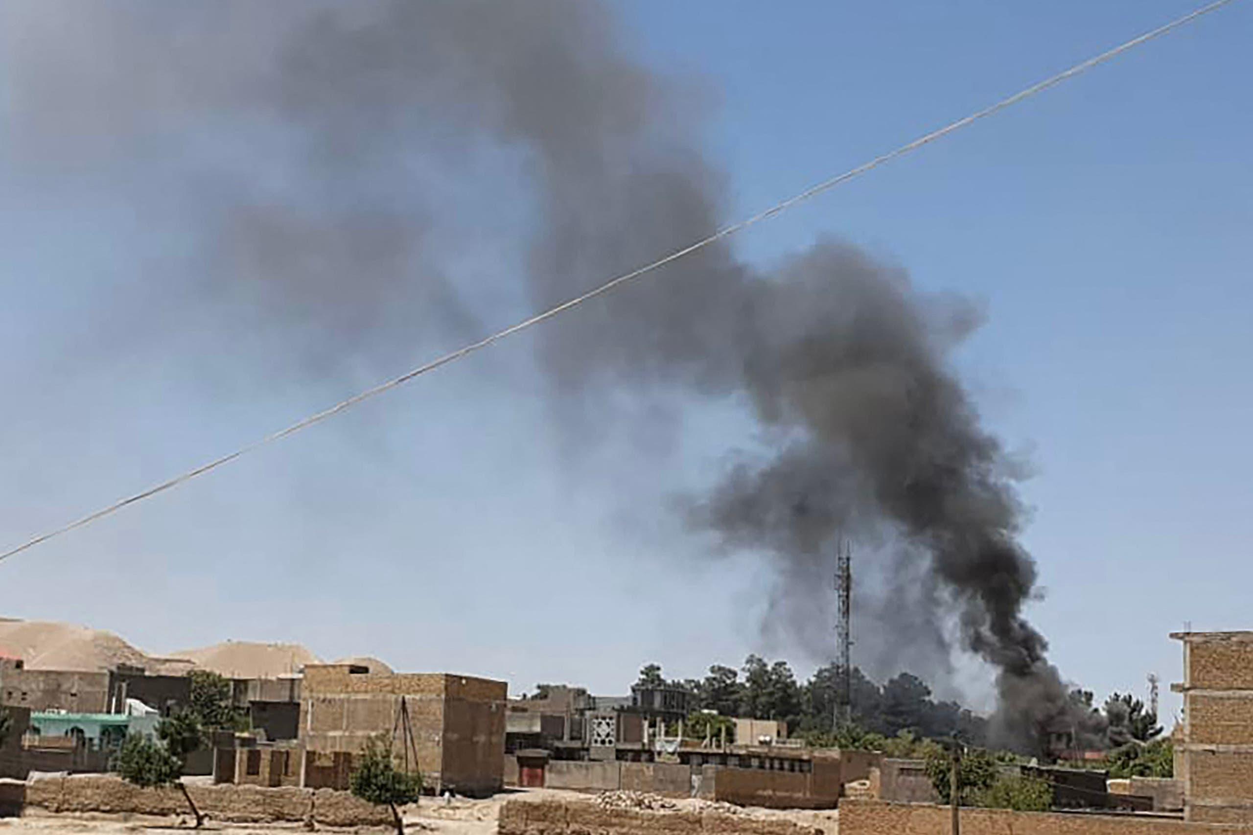 دخان المعارك في قندهار بأفغانستان