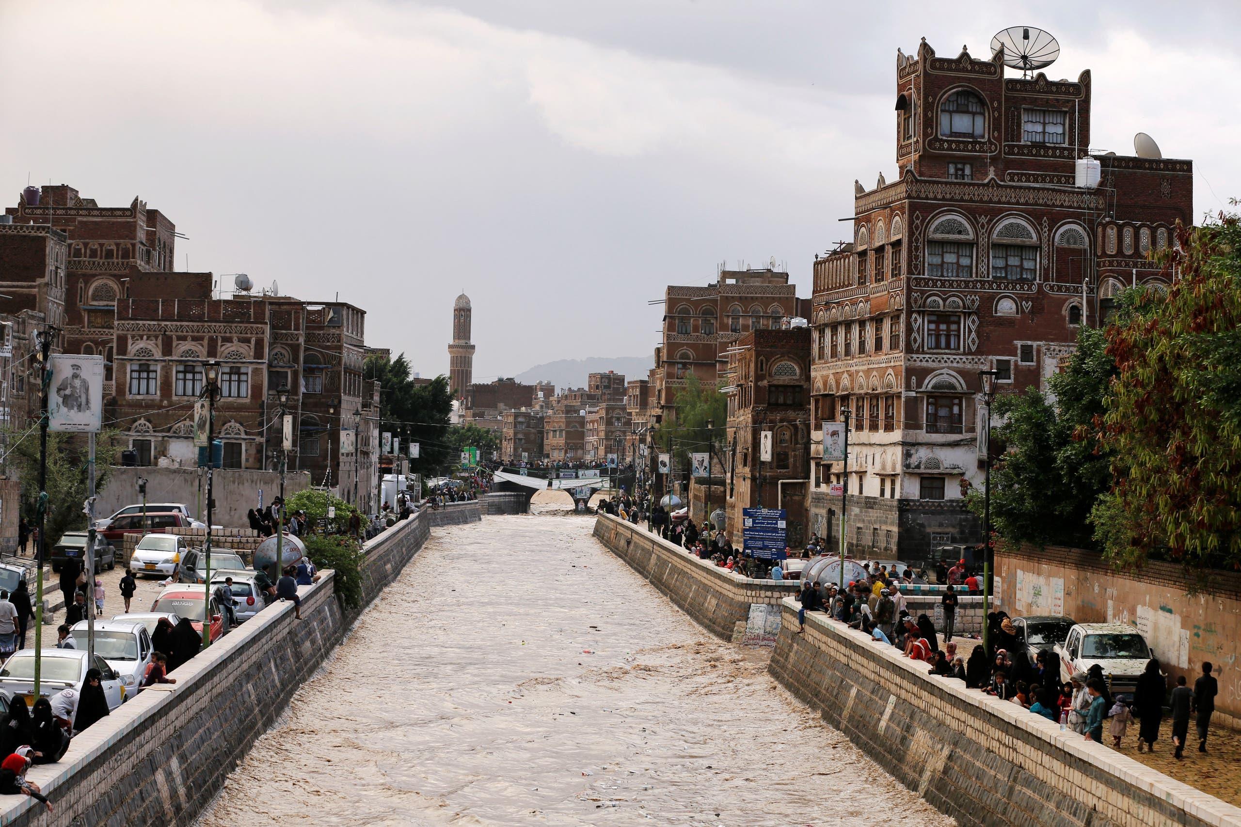 فيضانات في اليمن (أرشيفية من رويترز)