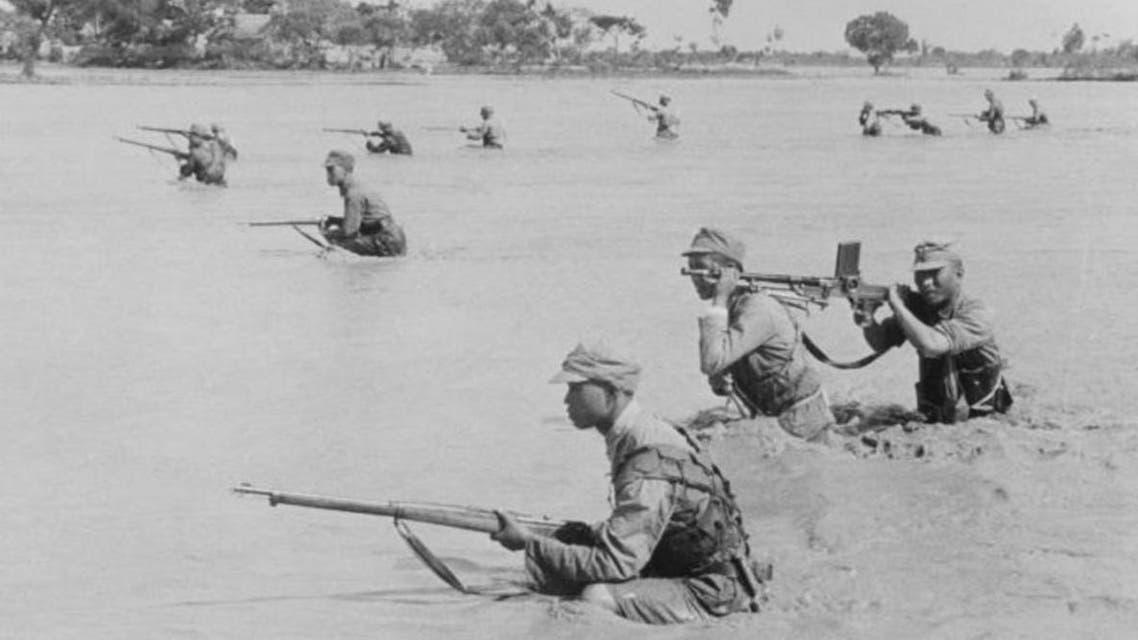 جنود صينيون عقب فيضان 1938