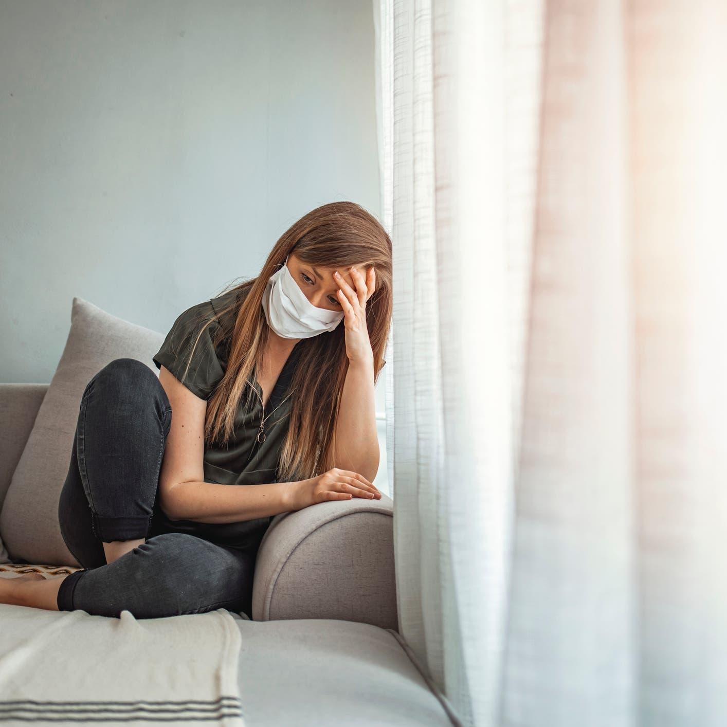 كوفيد والصحة النفسية.. تحذير من تأثير طويل الأمد