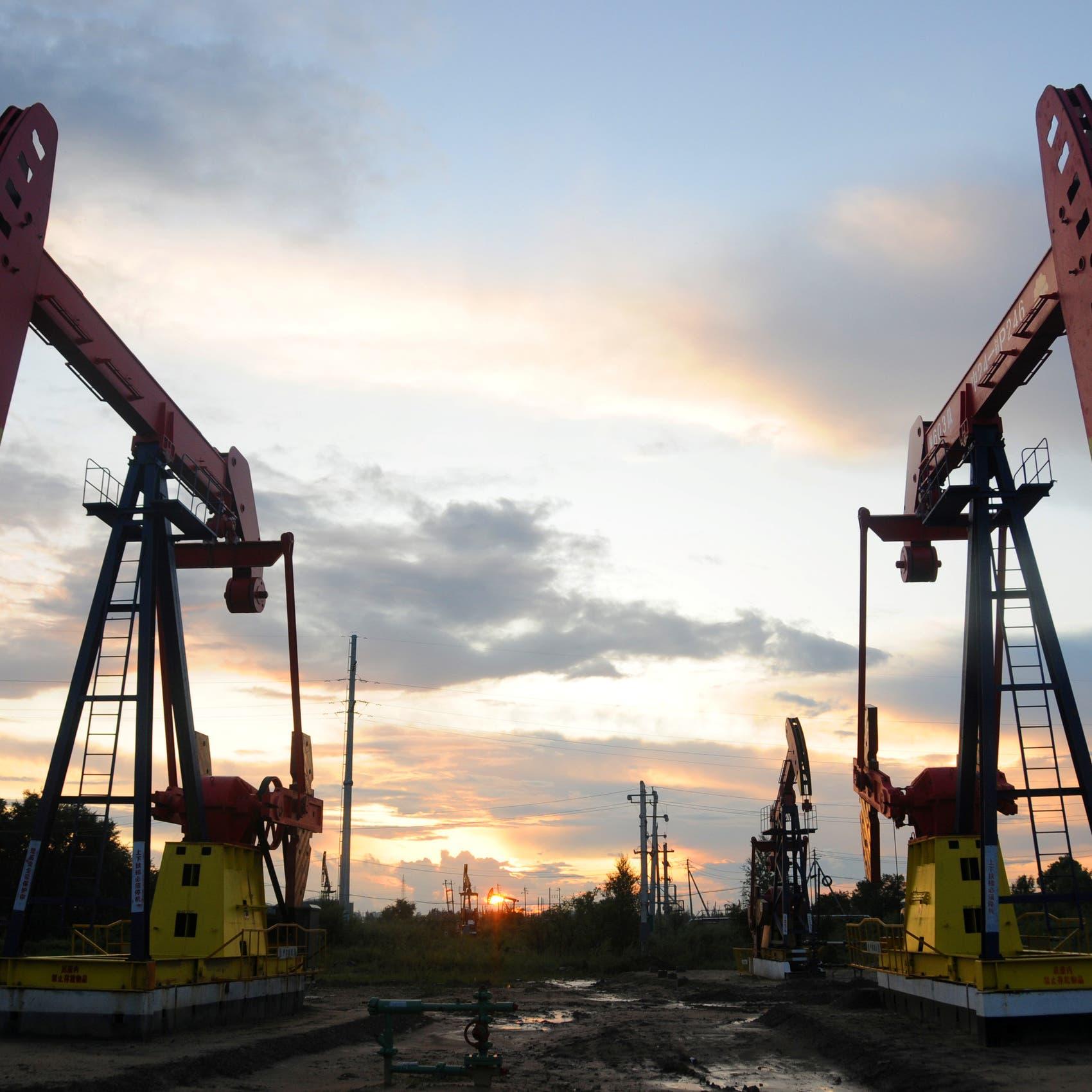 النفط على مسار تحقيق مكاسب أسبوعية قوية