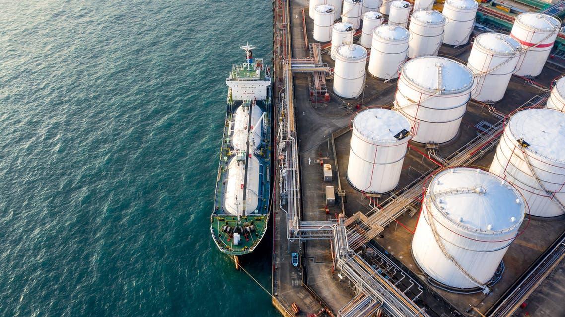 منشأة لتخزين النفط