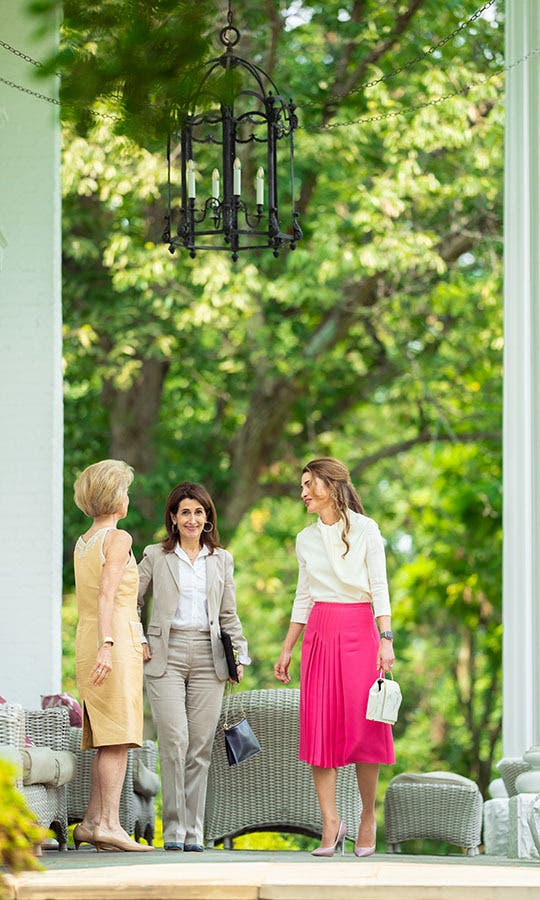 الملكة رانيا خلال لقائها مع السيدات الأميركيات
