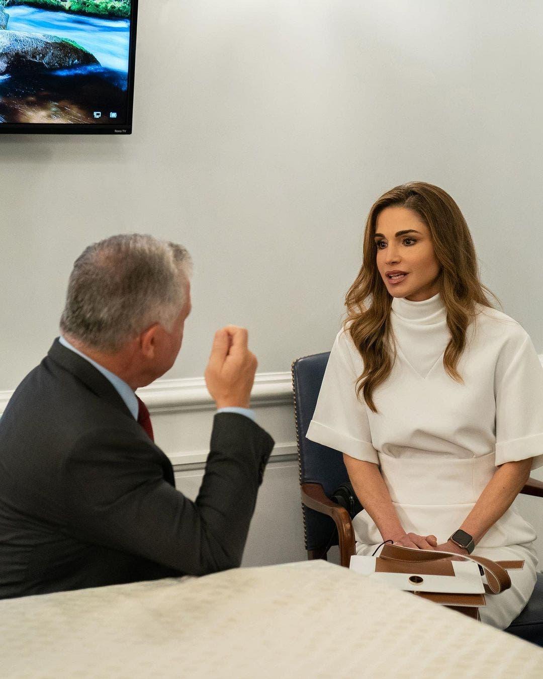 الملكة رانيا برفقة الملك عبدالله في اليوم الرابع من الزيارة