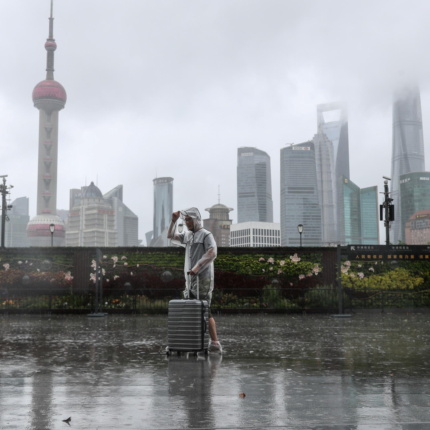 """إعصار """"إن فا"""" يضرب الصين مجدداً ويعطّل الحياة في شنغهاي"""