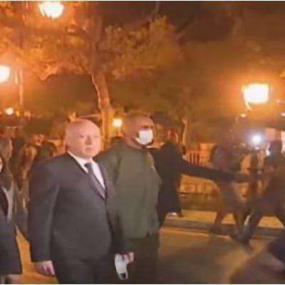 الرئيس التونسي يشارك في احتفالات شعبية بقراراته.. مركبات الجيش تطوق البرلمان