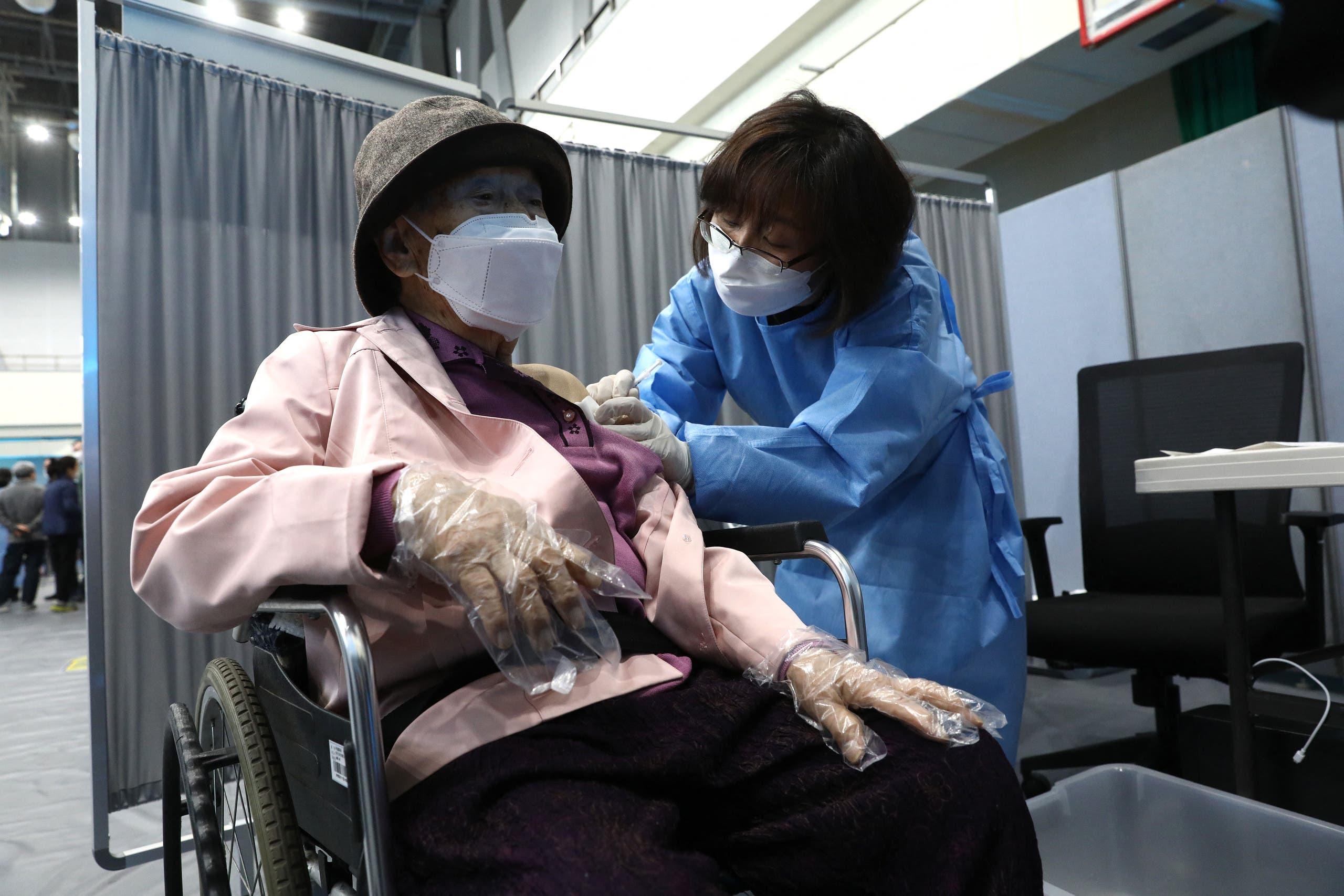 من حملة التطعيم ضد كورونا في كوريا الجنوبية
