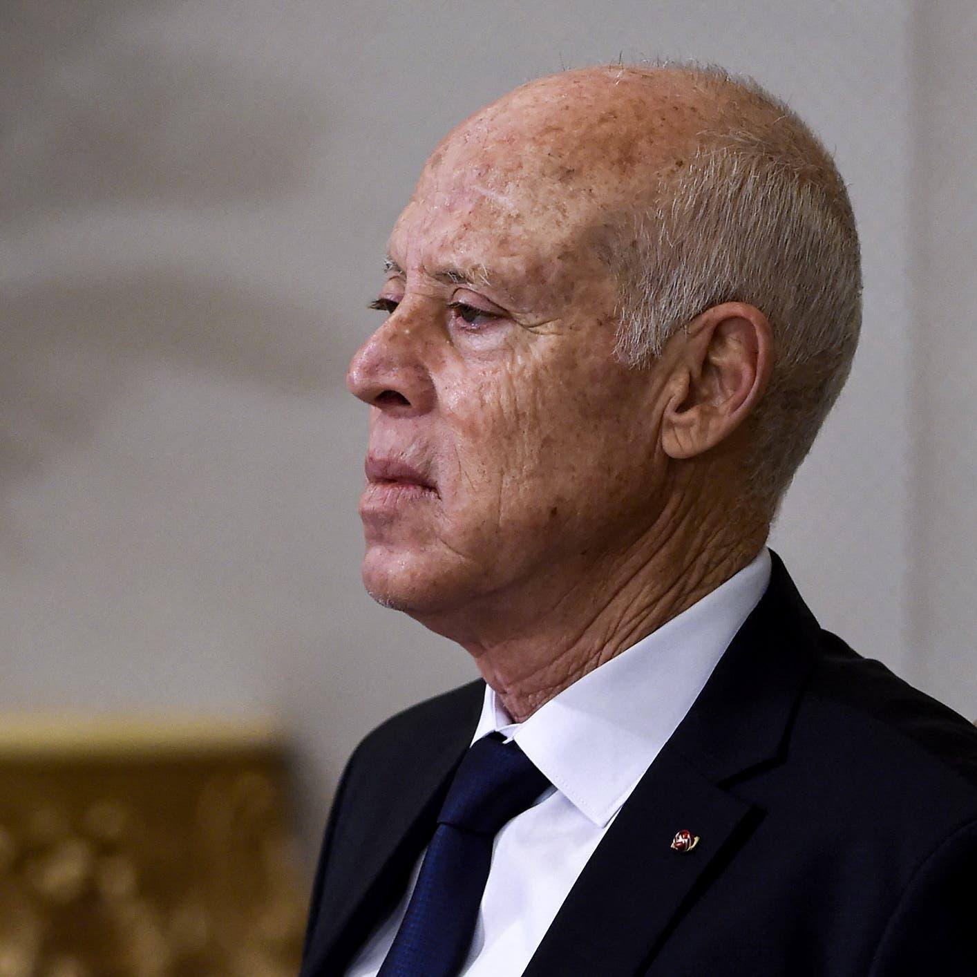 رئيس تونس: 460 شخصاً نهبوا البلاد.. ويجب إعادة الأموال