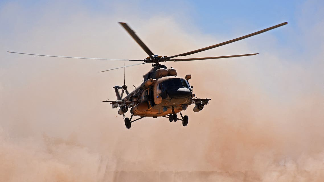 An Iraqi military helicopter lands near the al-Qaim border crossing between Syria and Iraq on November 1, 2018. (File photo: AFP)