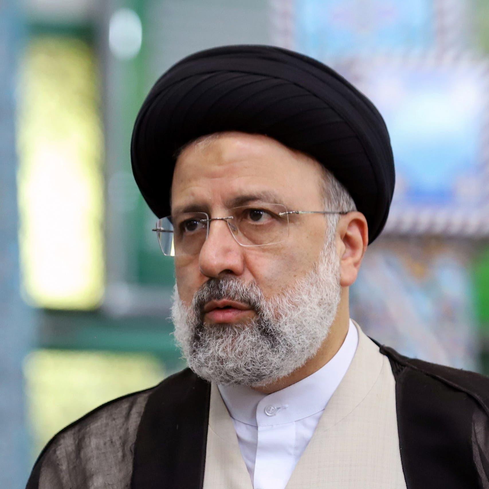 رئيسي: وضع كورونا بإيران غير مقبول ويجب اتخاذ إجراءات فورية