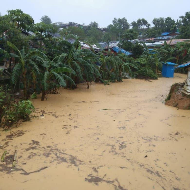 الفيضانات في بنغلادش تجتاح مخيمات الروهينغا وتشرّد الآلاف
