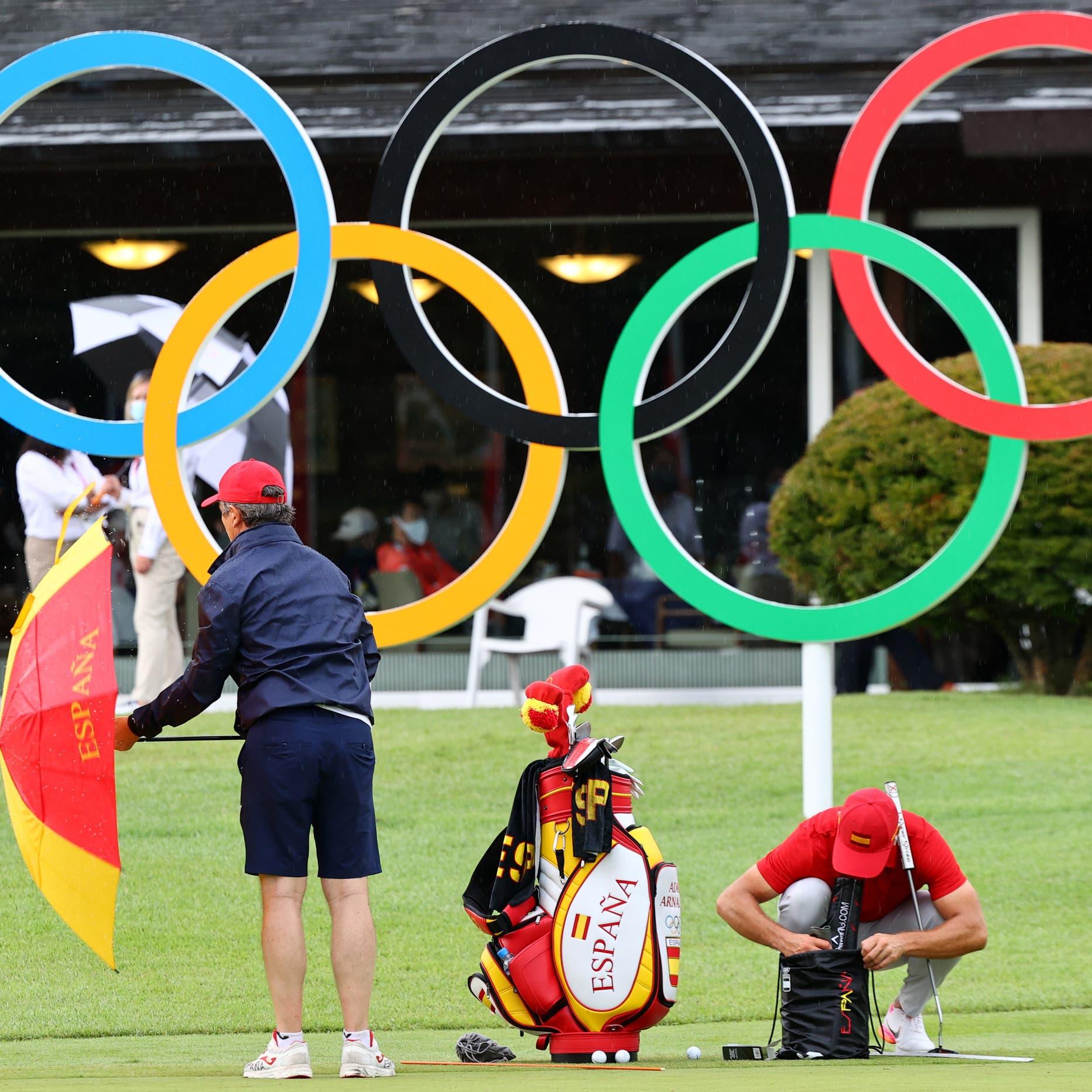عاصفة رعدية توقف الجولة الأولى من منافسات الغولف