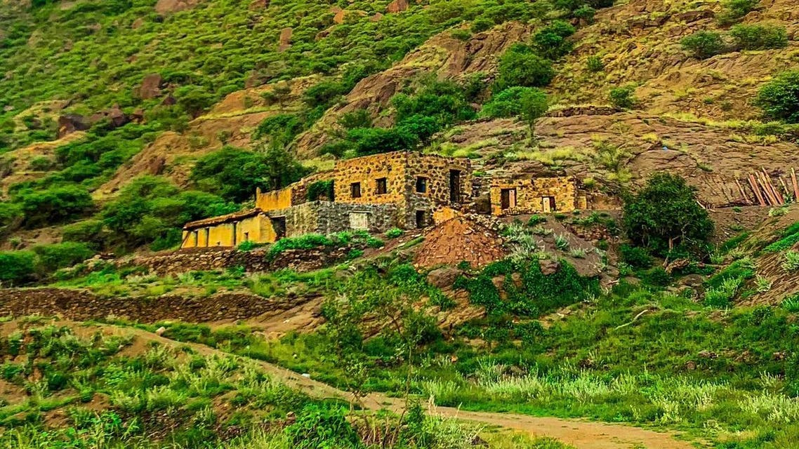 وادي الغيل الذي يعد متنفس سياحي بمدرجات زراعية