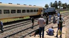 مصابان في خروج عربتي قطار عن القضبان بمصر