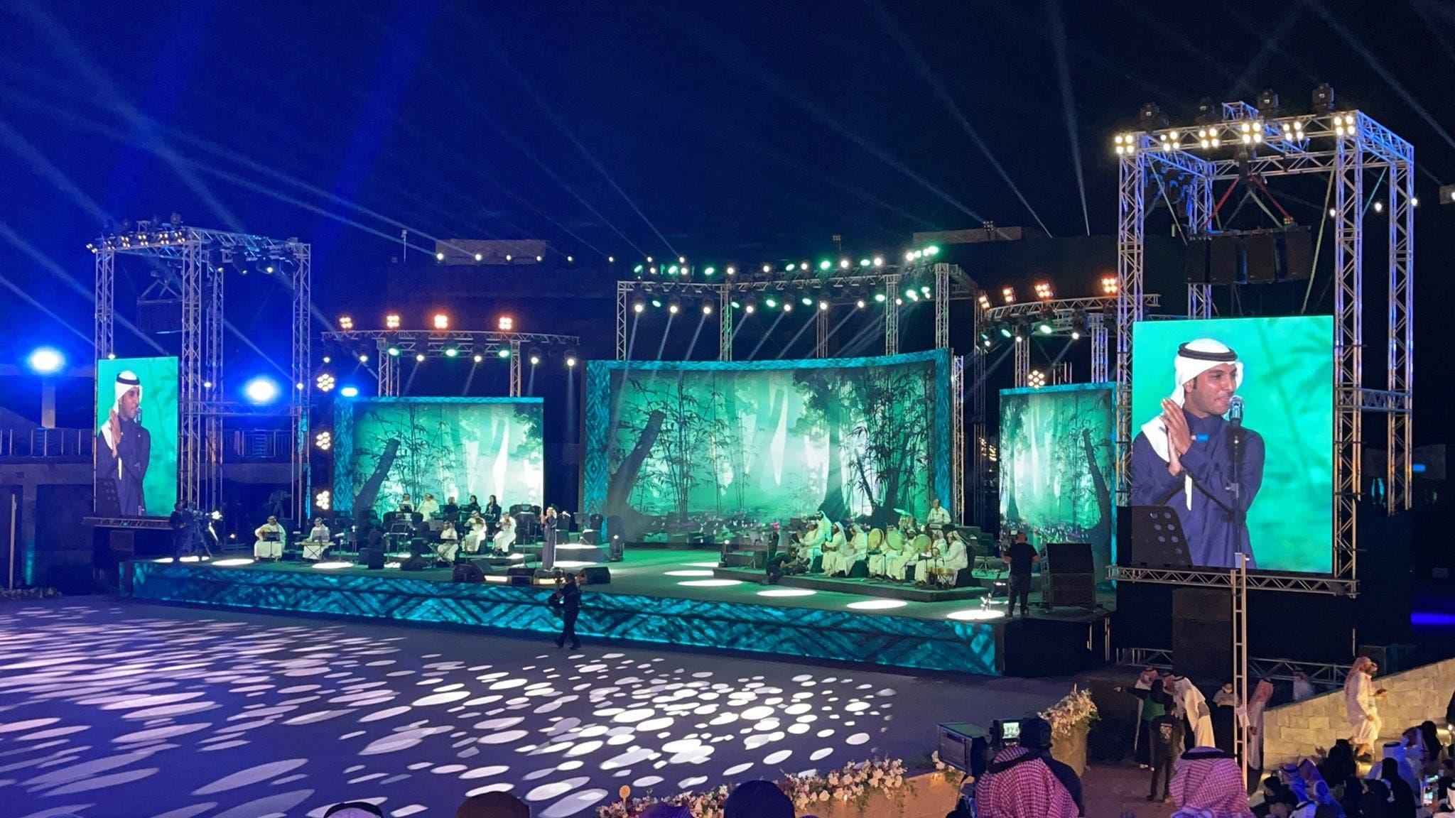 محمد طاهر خلال الحفلة
