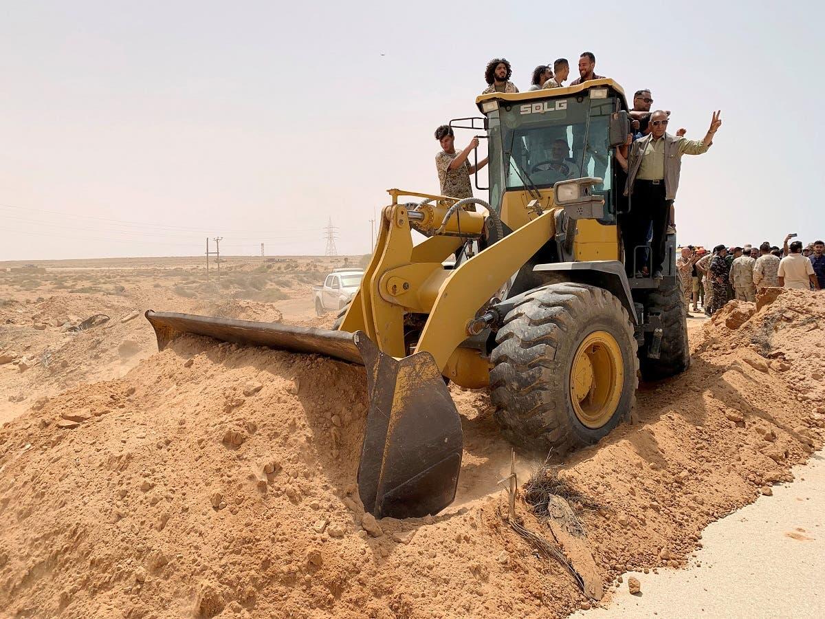 أعمال لإعادة فتح الطريق الساحلي في ليبيا