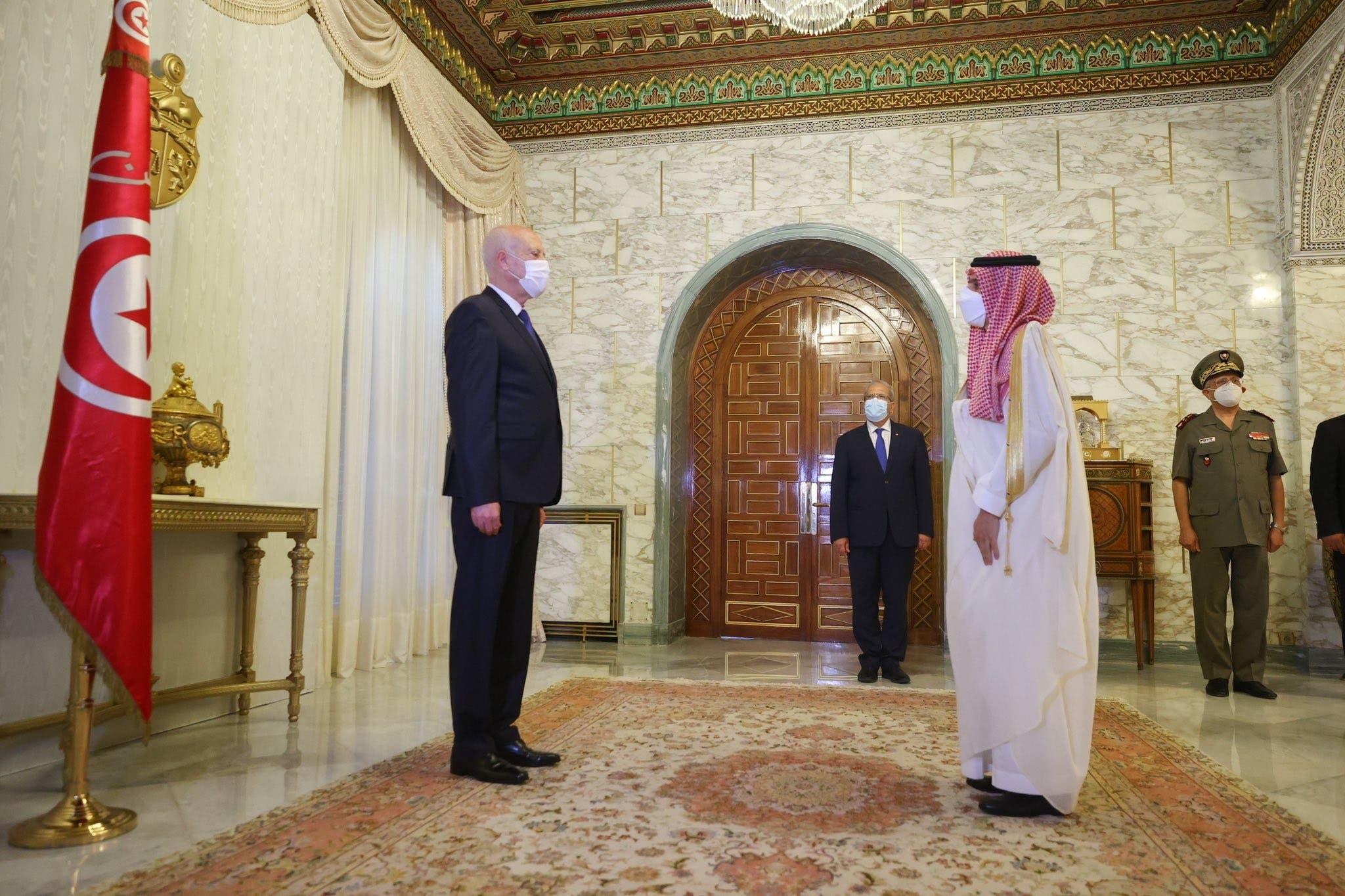 شہزادہ فیصل اور تونسی صدر کے درمیان ملاقات کا منظر