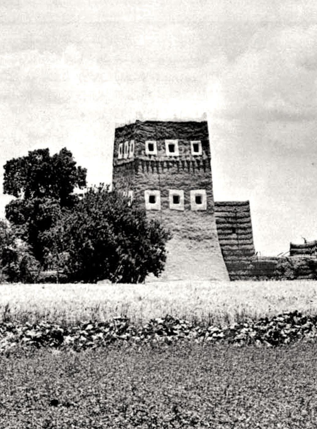 نموذج لبيت ذي طابقين في المنطقة الجنوبية من المملكة